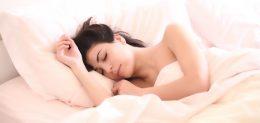 kadın uyku